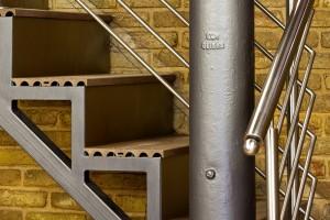 Escadas metálicas para Retail